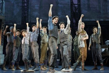 LuxeGetaways_#S4 Newsies strike.  ©Disney.  Photo by Deen van Meer. copy