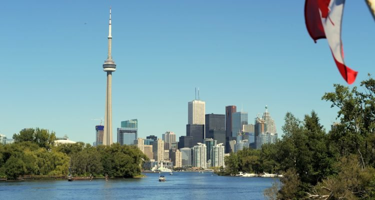 LuxeGetaways - Luxury Travel - Luxury Travel Magazine - Luxe Getaways - Luxury Lifestyle - Digital Travel Magazine - Travel Magazine - 10 Reasons To Visit Toronto Canada - CN Tower