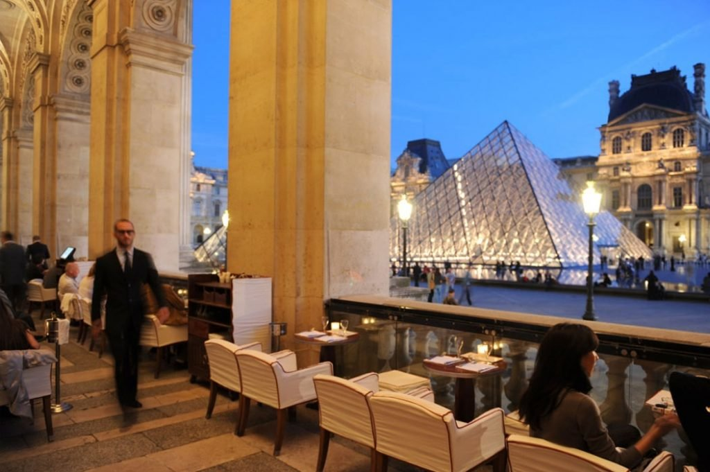 LuxeGetaways Magazine | Top 5 Favorite Places to Enjoy Outdoor Dining in Paris