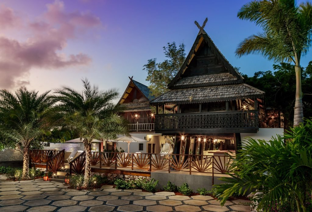 zemi-beach-house_thai-house-spa-1