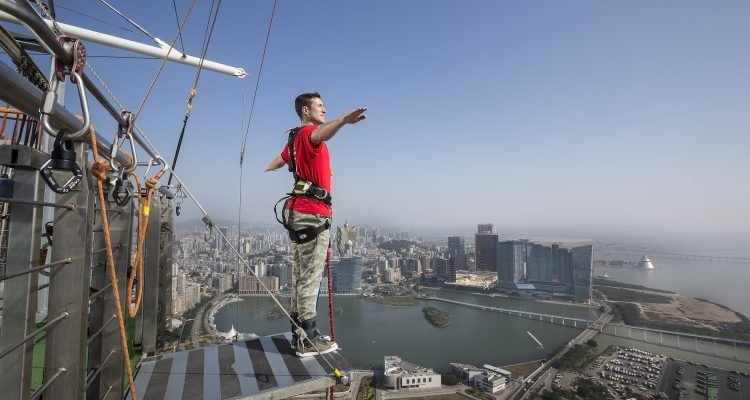 LuxeGetaways - Luxury Travel - Luxury Travel Magazine - 10 Extreme Adventure Travel Experiences - Extreme Travel - Extreme Bungy Jumping