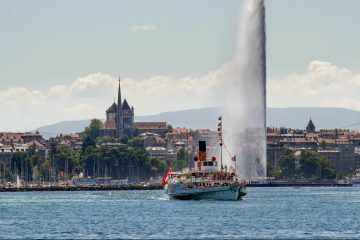 LuxeGetaways - Luxury Travel - Luxury Travel Magazine - Geneva City Guide - Geneva Switzerland - Swiss Tourism - Lake Geneva Fountain