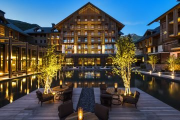 LuxeGetaways_Chedi-Andermatt_Switzerland_Slimming-Wellness-Retreat_Courtyard-Dining