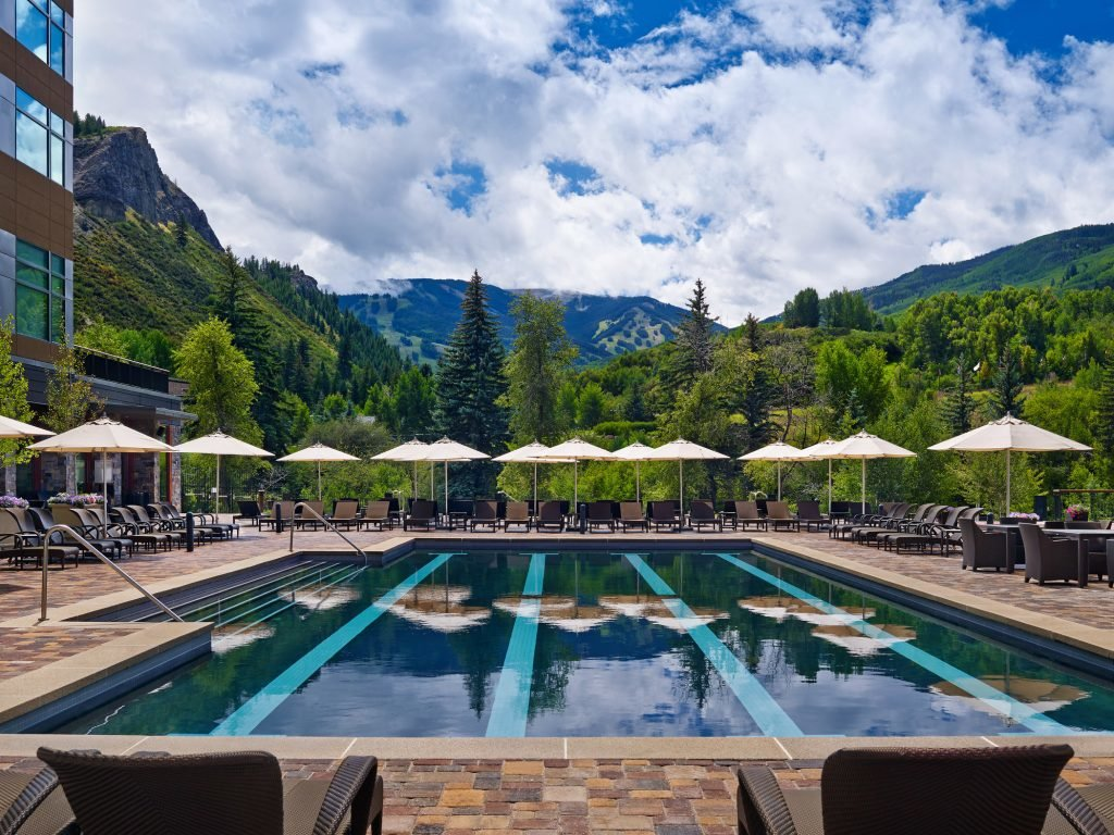 LuxeGetaways_Westin-Riverfront-Resort-Spa_Beaver-Creek-Mountain_pool