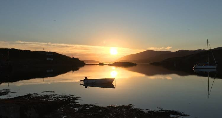 LuxeGetaways - Luxury Travel - Luxury Travel Magazine - Luxe Getaways - Luxury Lifestyle - Scottish Outer Hebridean Islands of Scalpay and Harris - Scotland - Whiskey - gin - sunset
