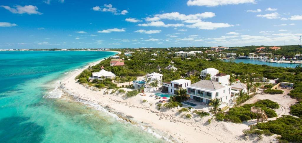 LuxeGetaways - Luxury Travel - Luxury Travel Magazine - Luxe Getaways - Luxury Lifestyle - Luxury Villa Rentals - Affluent Travel - The Dunes by Grace Bay Club - Turks and Caicos - Island Living