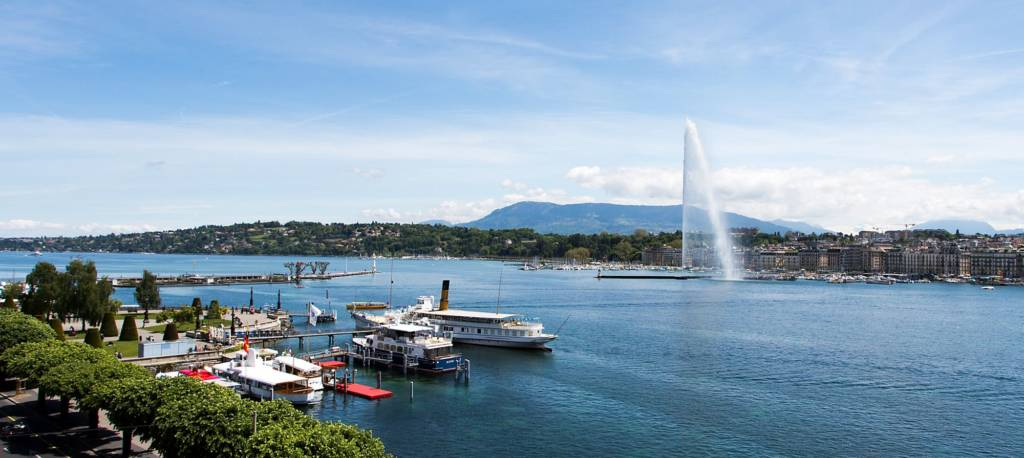LuxeGetaways - Luxury Travel - Luxury Travel Magazine - Luxe Getaways - Luxury Lifestyle - LuxeGetaways_Ritz-Carlton Geneva_Marriott-International_Hotel-De-La-Paix - Luxury Hotel - Hotel Opening - Europe Luxury Hotel - Swiss Hotel - Geneva Fountain