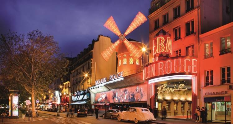 LuxeGetaways - Luxury Travel - Luxury Travel Magazine - Luxe Getaways - Luxury Lifestyle - 18 Nighttime Travel Experiences - Hotel Nighttime Experiences - Moulin Rouge - Paris Experience