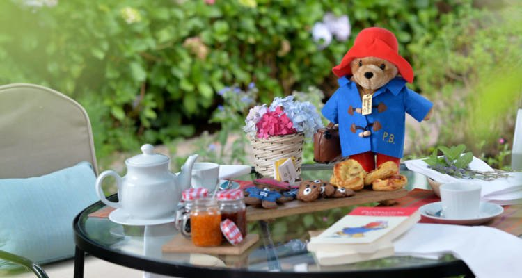 LuxeGetaways - Luxury Travel - Luxury Travel Magazine - Luxe Getaways - Luxury Lifestyle - Fall/Winter 2017 Magazine Issue - Digital Magazine - Travel Magazine - Belmond - Paddington Bear - Paddington 2