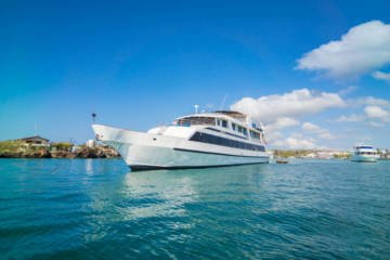 LuxeGetaways - Luxury Travel - Luxury Travel Magazine - Luxe Getaways - Luxury Lifestyle - Luxury Travel Galapagos - Galapagos Adventure - Galapatours