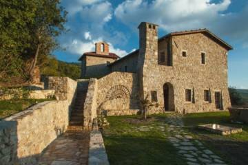 LuxeGetaways - Luxury Travel - Luxury Travel Magazine - Luxe Getaways - Luxury Lifestyle - eremito - Italy - villa - Tuscany