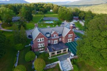 LuxeGetaways - Luxury Travel - Luxury Travel Magazine - Luxe Getaways - Luxury Lifestyle - Wilburton Inn - Manchester Vermont - Luxury Historic Inn