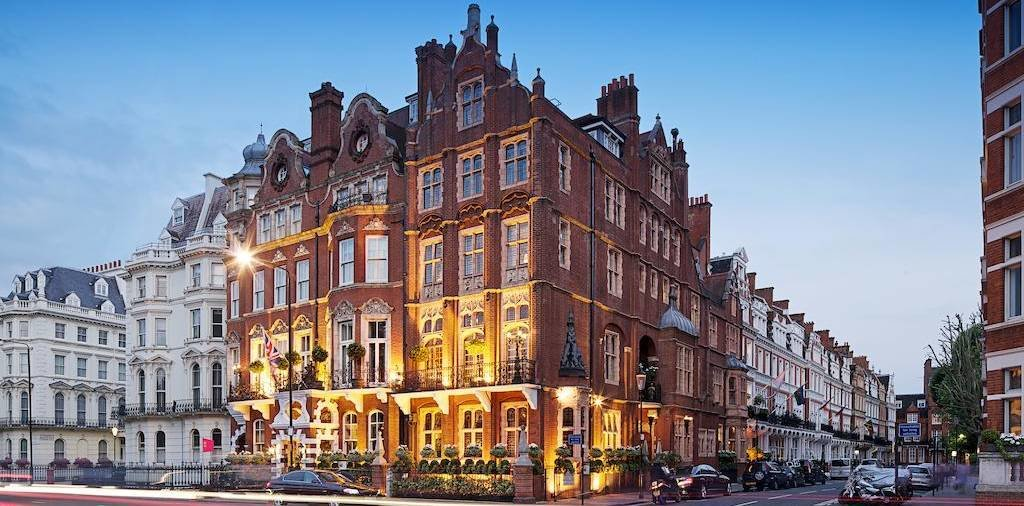 LuxeGetaways - Luxury Travel - Luxury Travel Magazine - Luxe Getaways - Luxury Lifestyle - Red Carnation Hotel Group - Milestone Hotel London - Boutique Luxury