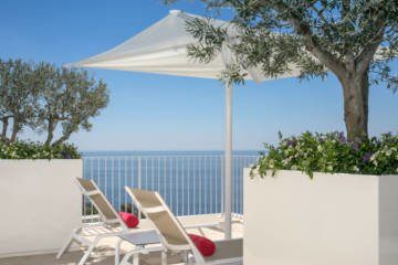 LuxeGetaways - Luxury Travel - Luxury Travel Magazine - Luxe Getaways - Luxury Lifestyle - Italy Travel - Casa Angelina - Amalfi Coast - Boutique Hotel
