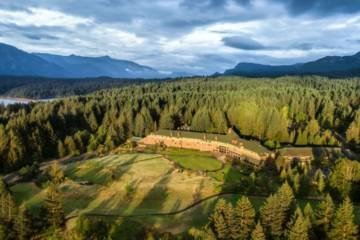 LuxeGetaways - Luxury Travel - Luxury Travel Magazine - Luxe Getaways - Luxury Lifestyle - Washington State Travel - Skamania Lodge - Adventure Travel